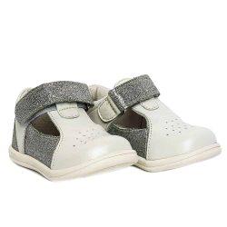 pantofi decupati argintii
