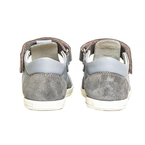 pantofi decupati din piele